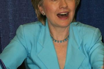PASADENA - JUN 29: Hillary Rodham Clinton at a book signing of '