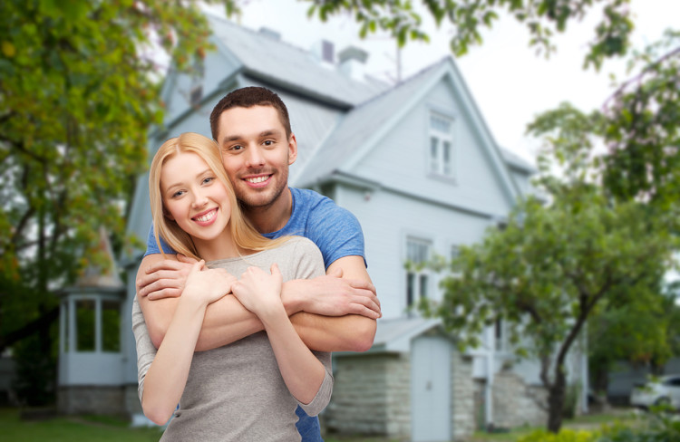bigstock-love-people-real-estate-hom-82702073
