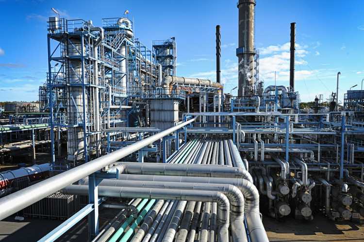 bigstock-overall-view-of-oil-and-gas-in-40615705