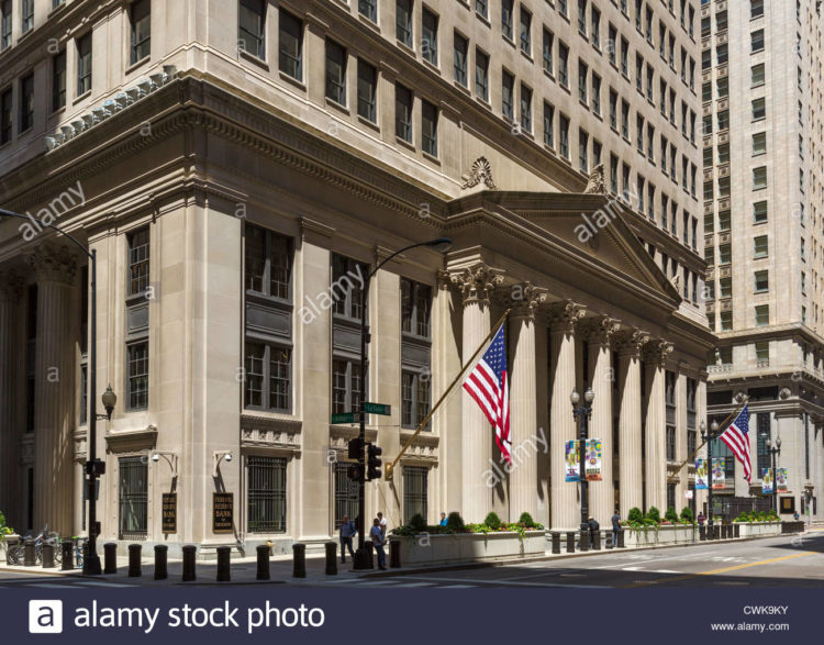 the-federal-reserve-bank-of-chicago-on-la-salle-street-the-loop-district-CWK9KY